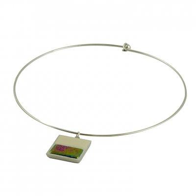 Collier carrée vert bronze