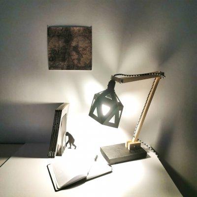 Lampe de bureau ORIGAMI bois et noir - lampe design - décoration d'intérieur